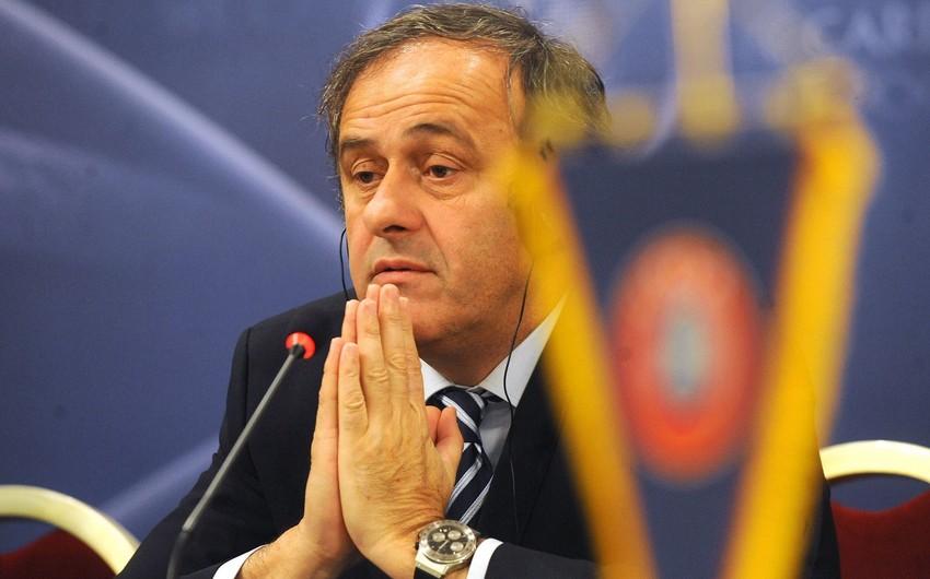 Mişel Platini FİFA prezidentliyinə namizədliyini geri götürüb