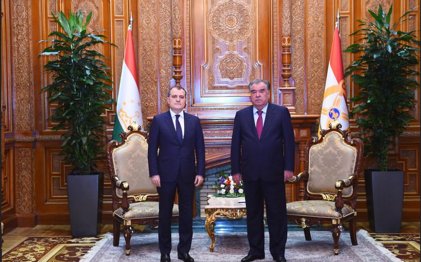 Ceyhun Bayramov Tacikistan prezidenti ilə görüşüb