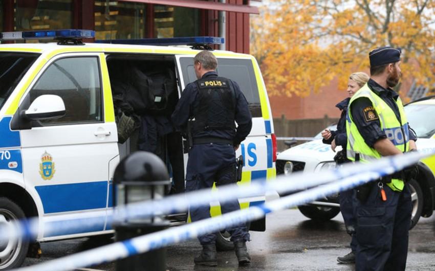İsveçin mərkəzində atışma baş verib, yaralanan var