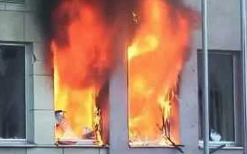 Çində yaşayış binasındakı yanğında 13 nəfər ölüb