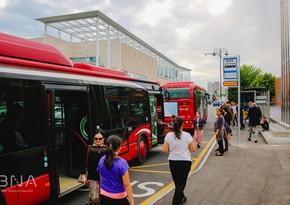 Карантин в Баку - метро закрыто, а на остановках ...