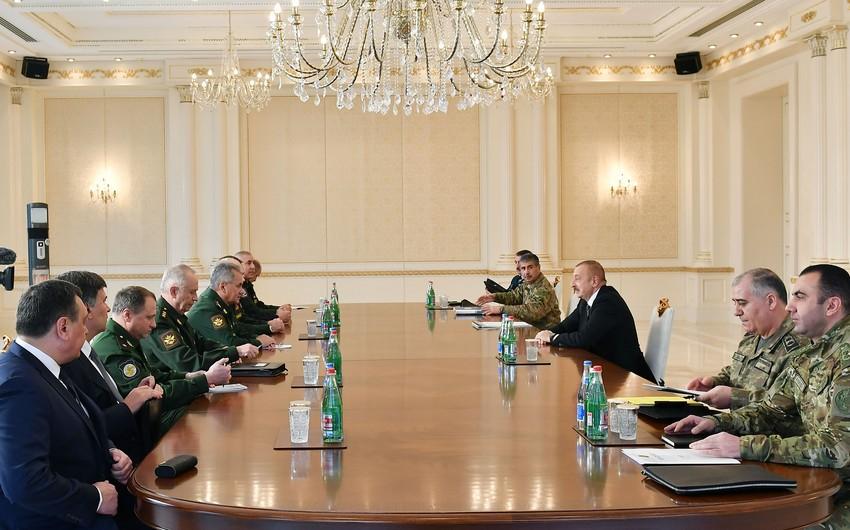 Президент Ильхам Алиев принял делегацию во главе с министром обороны России