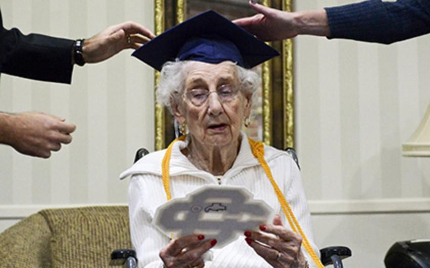 97-летней американке вручили диплом о среднем образовании