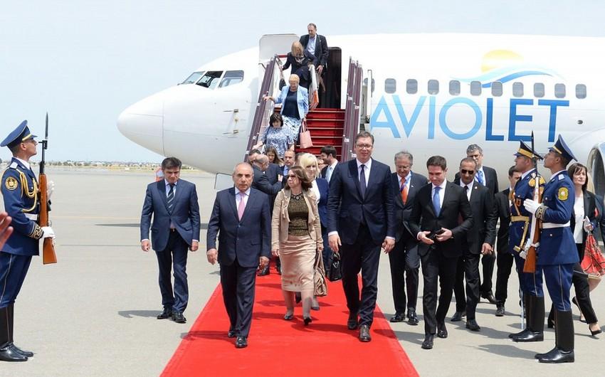 Президент Сербии прибыл с официальным визитом в Азербайджан