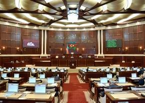 Milli Məclisin bu gün keçiriləcək iclasının gündəliyində dəyişiklik edilib