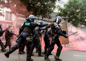 Fransada etiraz aksiyalarında 76 nəfər saxlanılıb