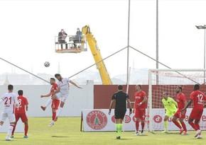 Klub prezidenti Araz Abdullayevin oynadığı matçı krandan izlədi