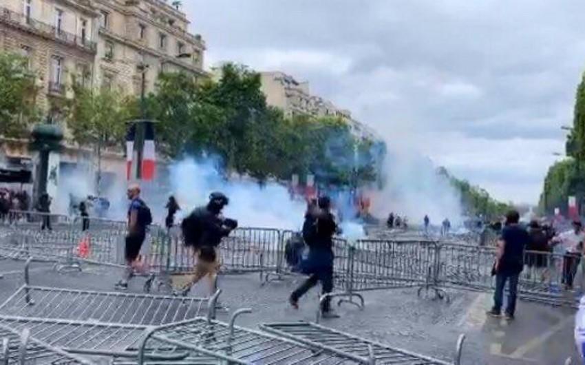 Parisdə sarı jiletlilərin aksiyası zamanı 152 nəfər saxlanılıb - VİDEO - YENİLƏNİB - FOTO