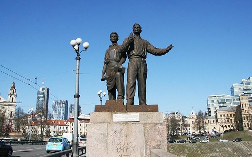 Litvada sovetlər dövründən qalan son heykəllər sökülüb