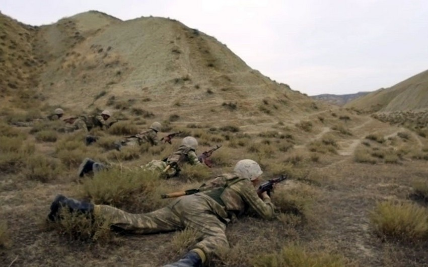 Army Corps conduct live-fire exercises - VIDEO