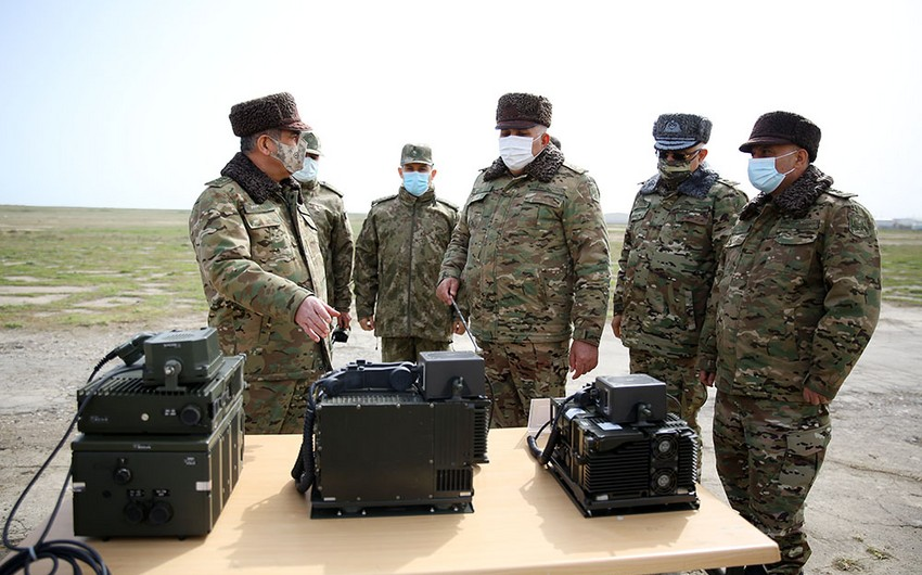 Azərbaycan və Türkiyə müdafiə nazirləri idarəetmə sistemlərinin birgə fəaliyyətlərini izləyiblər - VİDEO