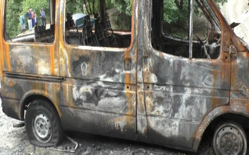 Astarada 2 mikroavtobusu yandıran şəxs saxlanılıb