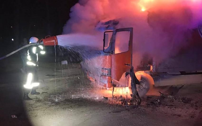 Goranboyda 20 ton pambıqla dolu yük avtomobili yanıb