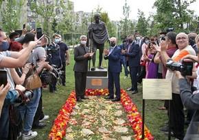 Tbilisidə Mahatma Qandinin yeni ucaldılan heykəlinə zərər yetirilib