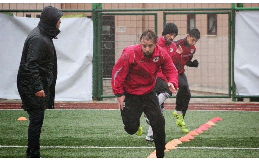 Neftçinin sabiq futbolçusu erməni deputatın cavabını verdi
