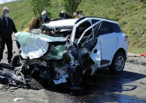 Türkiyədə iki avtomobil toqquşub, 9 nəfər ölüb