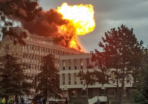 В Москве возник крупный пожар в результате взрыва газовых баллонов