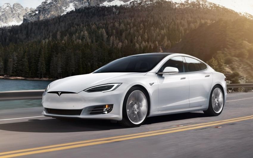 """""""Tesla"""" avtomobillərinin bir hissəsini geri qaytarır"""