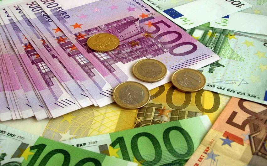 V Azerbajdzhane Oficialnyj Kurs Evro Upal Do 15 Letnego Minimuma Report Az