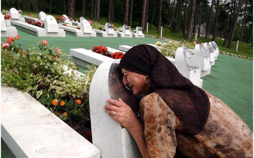 Srebrenitsada soyqırım qurbanı olan daha 136 bosniyalı müsəlman dəfn ediləcək