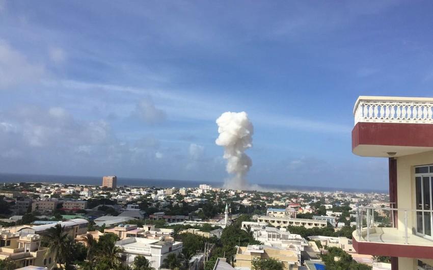 Somalidə hava limanında güclü partlayış olub, 13 nəfər həlak olub - YENİLƏNİB
