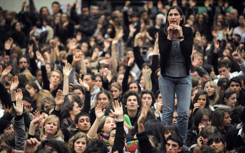 Students in Paris protest against new tuition fees