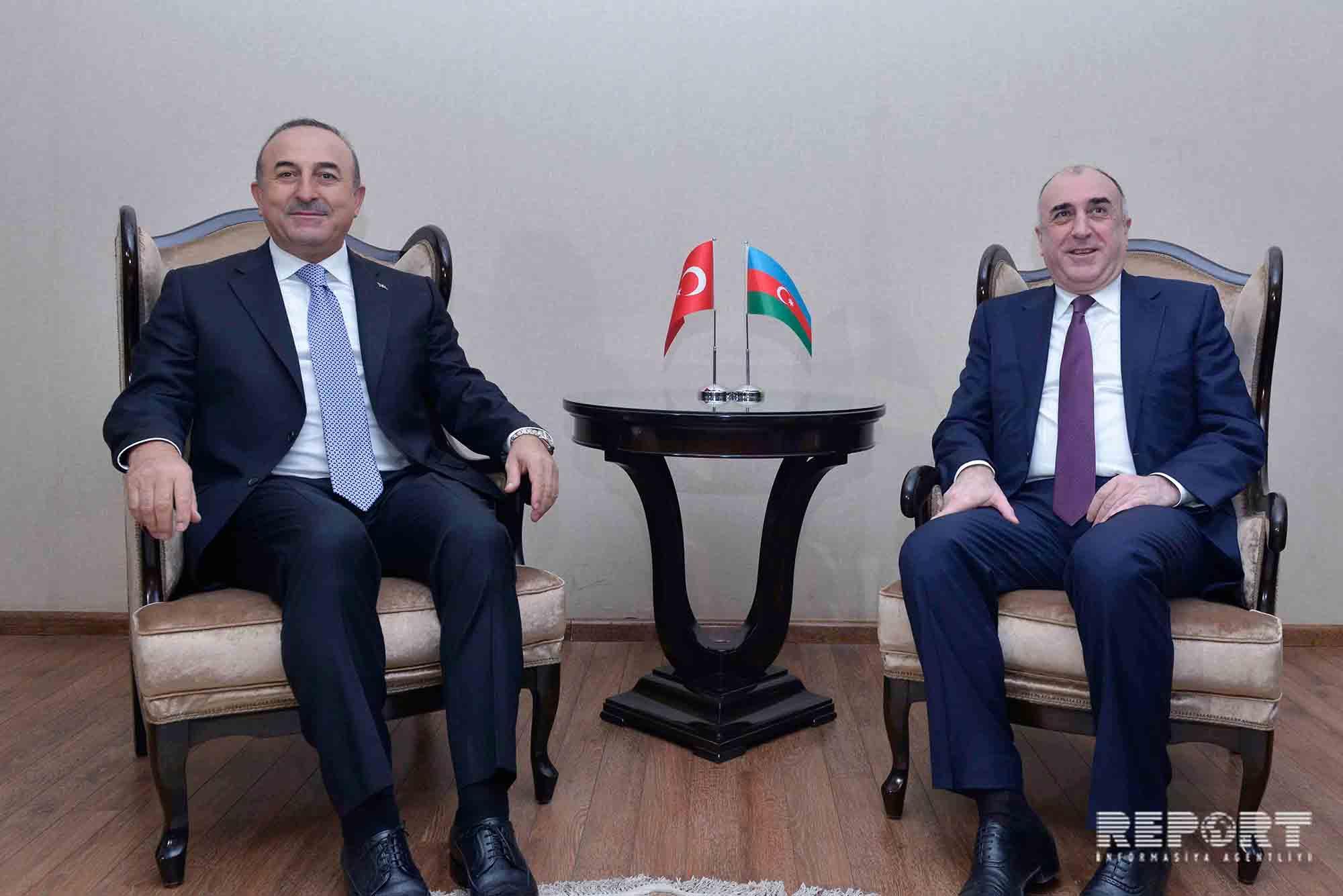 Эльмар Мамедъяров проинформировал турецкую сторону о переговорах по Карабаху