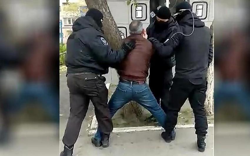 İnterpol axtarışda olan Azərbaycan vətəndaşını saxlayıb
