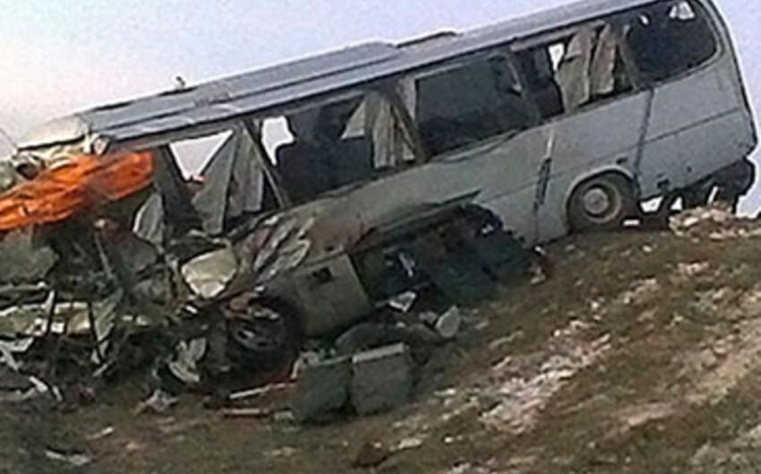 Ukraynada baş vermiş ağır yol qəzası nəticəsində 21 nəfər xəsarət alıb