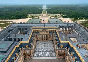 Versal sarayı karantindən sonra açıldı