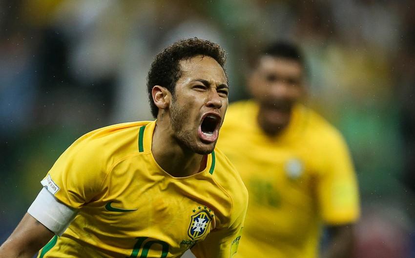 Fransanın PSJ klubu İspaniya Barselonasından ayrılan Neymarı transfer etdiyini rəsmən açıqlayıb