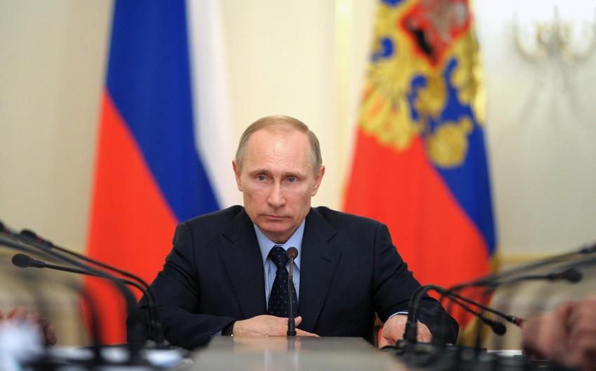 Vladimir Putin: Dedi-qodusuz darıxdırıcı olur
