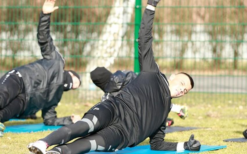 Berlin Dinamosunun baş məşqçisi Azərbaycan millisinin Ayntraxtdan qovulan futbolçusunu tərifləyib