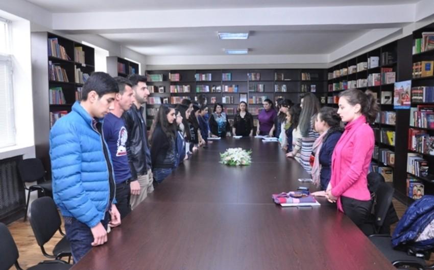 ADU-da 31 mart - Azərbaycanlıların Soyqırımı Gününə həsr olunmuş dəyirmi masa keçirilib