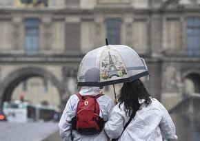 Во Франции объявлен максимальный уровень погодной опасности