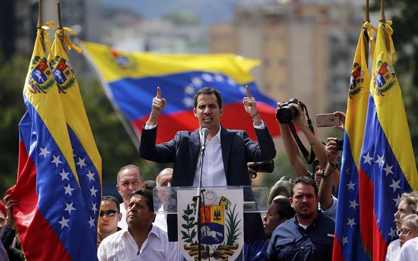 Venesuela ordusu Xuan Quaidonun prezidentliyini tanımır