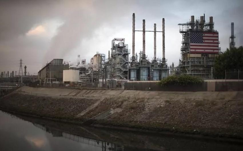 ABŞ-da neft ehtiyatları azalıb, hasilat yeni rekorda çatıb