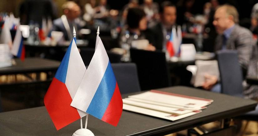 Rusiya ilə Çexiya arasında diplomatik qalmaqal böyüyür