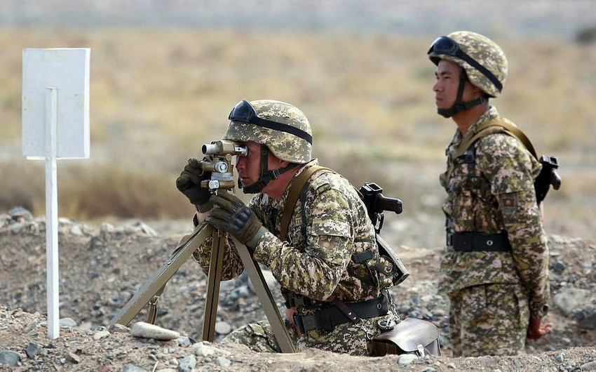 Qırğızıstan və Tacikistan qoşunların -