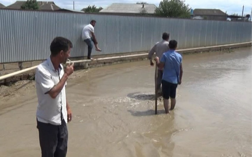 Cəlilabadda çay daşqını olub, kəndlərdən birini su basıb - FOTO