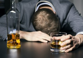 Alimlər insanda alkoqolizmin 29 genetik səbəbini aşkarladılar