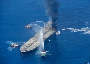 Пожар на нефтяном танкере у берегов Шри-Ланки потушили
