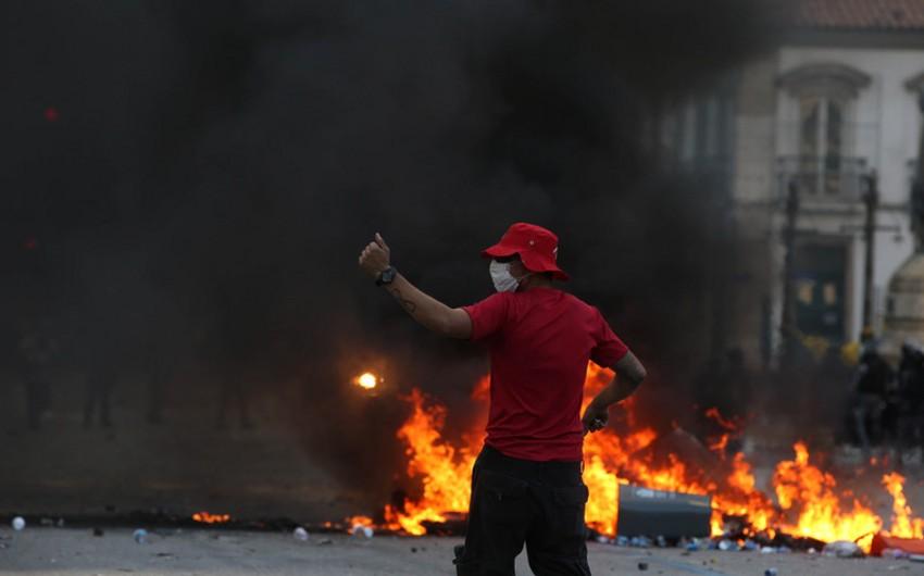 Rio-de-Janeyroda polis ilə etirazçılar arasında toqquşma olub