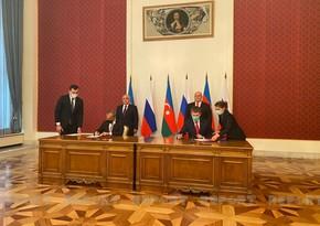 Documents signed following Azerbaijani, Russian PMs' meeting