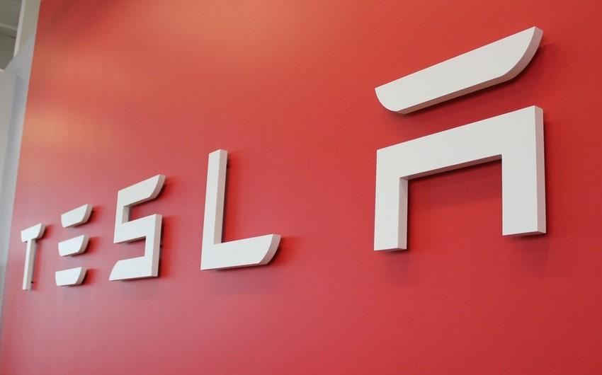 """Tesla""""nın gəlirləri proqnozları üstələyib"""