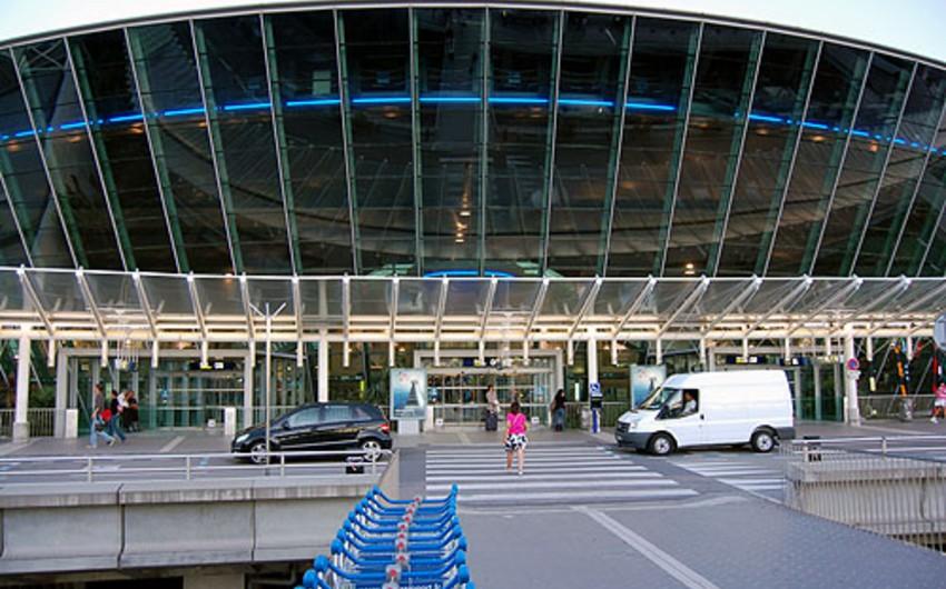 Nitsa aeroportunun terminallarından biri evakuasiya edilib