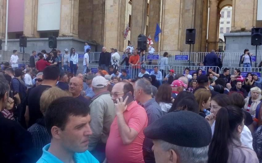 В Тбилиси вновь начались протесты - ВИДЕО