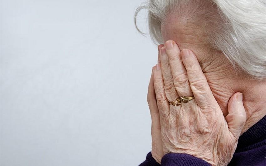 Göygöldə qardaş 68 yaşlı bacısını döydü