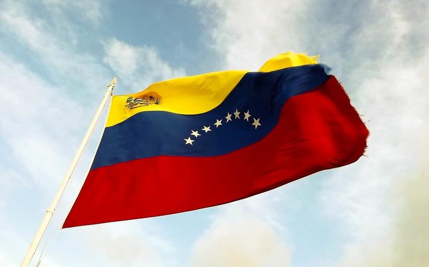 Venesuela Kolumbiya ilə diplomatik münasibətləri kəsib