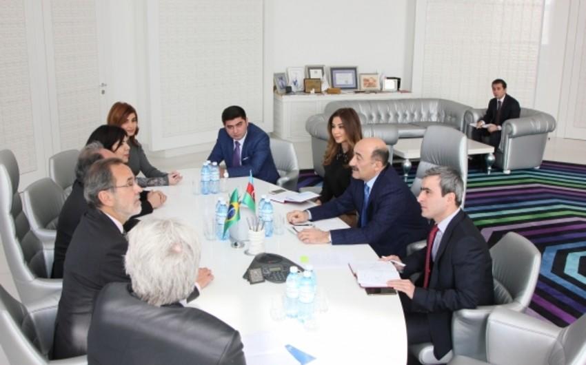 Əbülfəs Qarayev Braziliya Senatının komitə sədri Kristovam Buarkeni qəbul edib